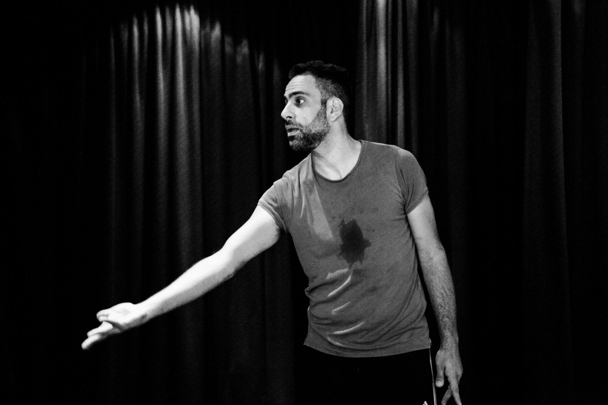 Nikos Konstantakis | Performer